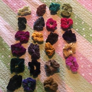 Brandy Melville Scrunches (25 cents each)